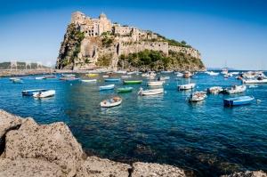 castello-aragonese.jpg